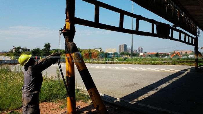 抚顺三宝立交桥仍在继续拆除中   经过此处车辆还需要绕行