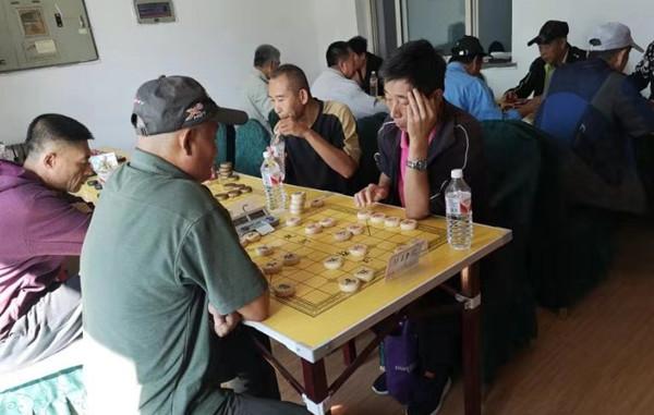 东丰社区举办象棋擂台赛 居民们欢声笑语中赛出水平赛出情谊