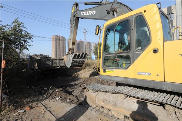 沈抚新区村庄巷路硬化工程进行中 涉及14个村 整体工程预计10月底前结束