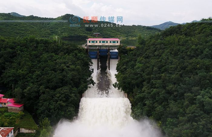 关山水库因防汛安全开闸泄洪 浑河水位叠加上涨