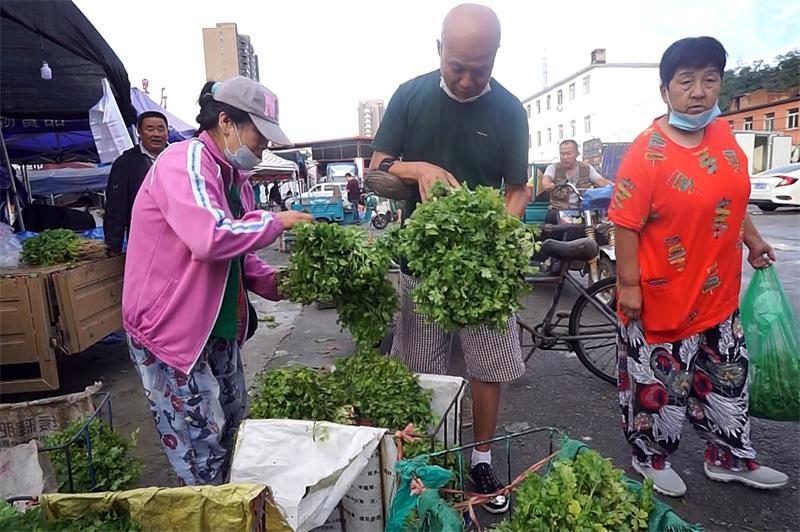 16种蔬菜平均价格回落至3元以内  菠菜、茼蒿等价格回落至4元左右